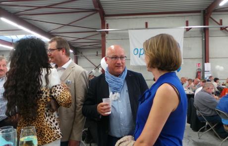 Emmily Talpe in gesprek met gedeputeerde Carl Vereecke