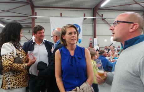 Emmily Talpe op de bbq van Open Vld Koekelare
