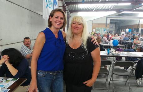 Emmily Talpe op de bbq in Koekelare