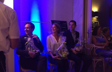 Emmily Talpe samen met collega-parlementslid Francesco Vanderjeugd en met de voorzitter van Jong Vld, Maurits Vande Reyde