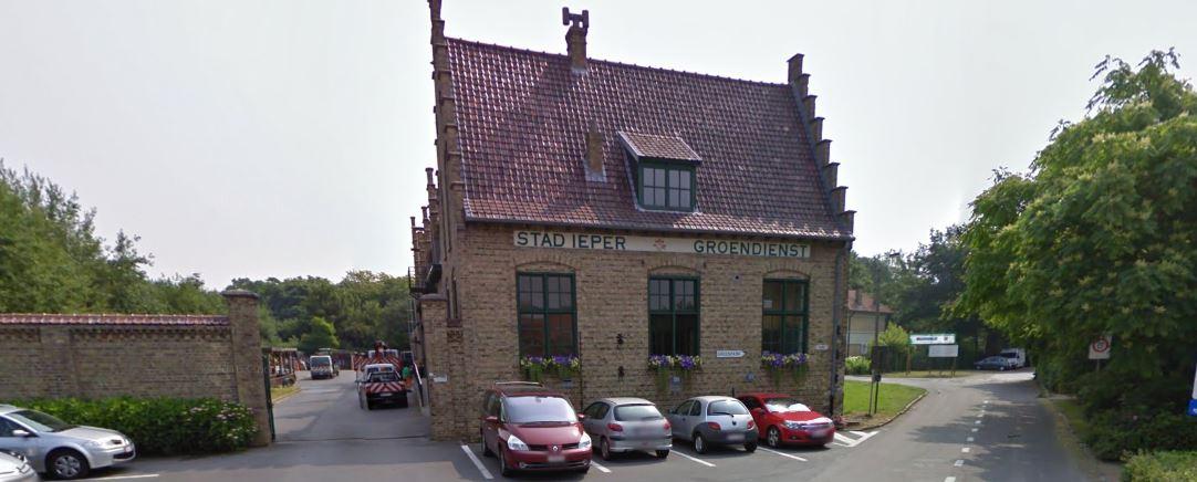 Het gebouw van de groendienst aan de Oudstrijderslaan