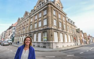 Ieper  Burgemeester Emmily Talpe voormalig hotel Skintles wordt gerenoveerd